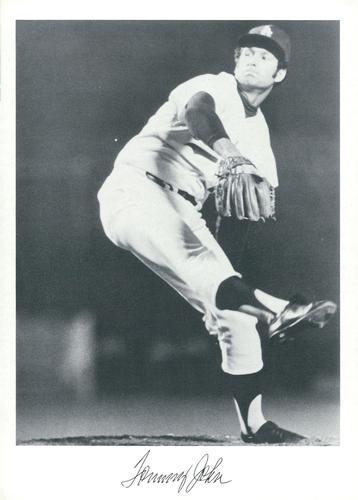 1975 Topps #47 Tommy John Los Angeles Dodgers Baseball Card