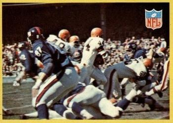 1967 Philadelphia #193 Browns Play vs Giants - Leroy Kelly  Front