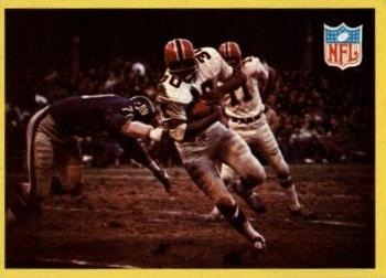 1967 Philadelphia #195 Falcons Play vs Giants - Ernie Wheelwright  Front