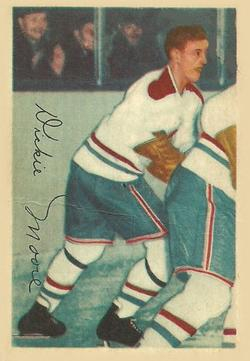 1953-54 Parkhurst #28 Dickie Moore Front