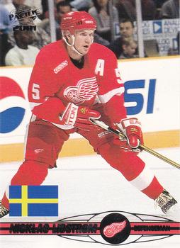 2000-01 Pacific #436 Nicklas Lidstrom Front