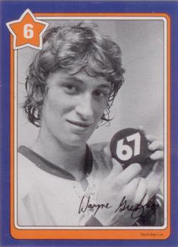 1982-83 Neilson's Gretzky #6 Taping your Stick Front